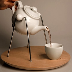 Rocking Teapot explores design behind intuition and perceived function. By Betina Piqueras.