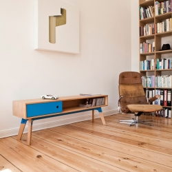 Small but great. There may be not that much storage space in this lovely sideboard by Nachacht but it looks just perfect.