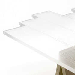 Nendo transparent table is made of 'transparent wood', clear acrylic cast in a wooden form with a strong grain. Beautiful!