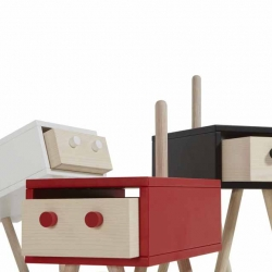 Italian designer Roberto Giacomucci created an amazing collection of small, functional, animated containers, more than objects, they are subjects, emotional entities ...