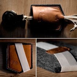 Hard Graft has some new leather/felt goods focused on my favorite pocket theme! See close ups of their new wallet and keyholder, as well as new laptop sleeve designs!