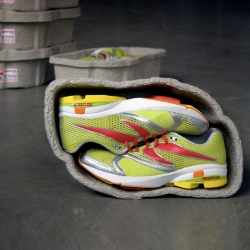 Innovative and environmentally friendly packaging for Newton Running.