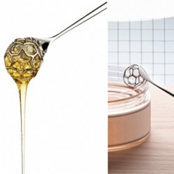 "Alessi ""acacia"" honey dipper is part of the collection of ""Objets-Bijoux"". ""acacia"" is the result of research carried out by its designer, Miriam Mirri, into the sweet world of honey."