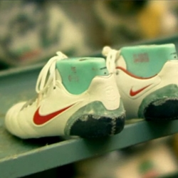 Interesting video about the entire fabrication process of diffrent Nike football boots : Tiempo, Mercurial and Total 90.