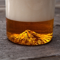 North Drinkware debuts on Kickstarter with a hand-blown pint glass with Mt. Hood molded into the base!