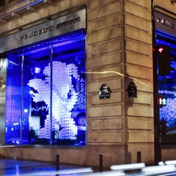 Peugeot's show room in Champs Elysee dresses up with this mesmerizing installation created by the studio Wanda Barcelona.