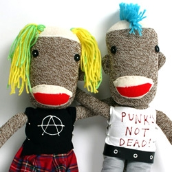 Sid and Nancy making a comeback, be it one step down the evolutionary ladder.  Punk's not dead!