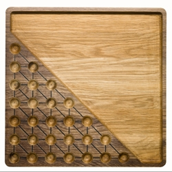 Solitaire game and Nut bowl in oak. A new product from Sagaform designed by Transformer. Enjoy Christmas nuts and Challenge your relatives and friends this Christmas!
