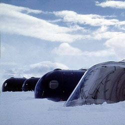 An polar station  in the chilean antartic territory by ARQZE (Architecture for Extreme Zones).