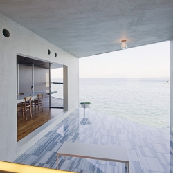 Beautiful seaside house in Japan by Yasutaka Yoshimura Architects.