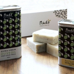 Nice packing for Nudo by Madeleine Rogers. Nudo is an olive grove. Adopt one of the olive trees and get the oil it produces!