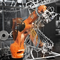 Robotic Extrusion - Robotic 6-Axis 3D Printing. Custom robotic dynamic end effector creates 3D forms biomimicking spider webs. Project by Shi Ji collaboration with Liu Xun, Luo Ruihua, Cui Yuqi.