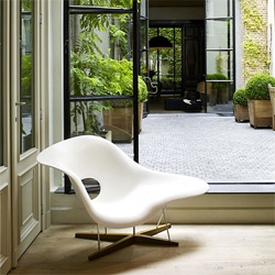 Current NOTCOT Obsession: Eames La Chaise 1948. A fiberglass, chrome, and oak icon.