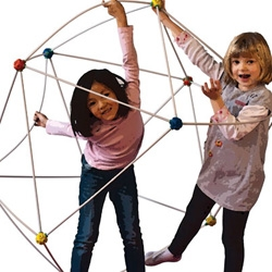 Ogo Bild Pod is 42 piece kid size construction set that lets you build and create geometries... aka forts, tents, huge balls, and whatever you can dream up!