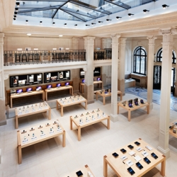 Stunning new Apple Store opened in France.