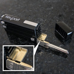 Keyport ~ i got hands on with one finally, and here are some closeups to answer those questions about HOW they get those keys on there... and how easily you can swap them! The dovetailing is quite nice...