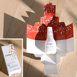 On awesome box design ~ the way the Jurlique Biodynamic Beauty Serum literally unfolds and opens itself, presenting the gorgeous frosted glass bottle to you.... such a nice unboxing experience! See pics of the line, and box scans!
