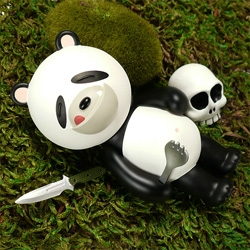 IWG Sleepy Bear Series ~ who doesn't love adorable man eating bears with SPORKS and skulls and combat knives...