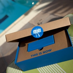 Blue Wave Jawbone Jambox unboxing poolside at the Four Seasons in Beverly Hills... the packaging is physically, ecologically, and graphically gorgeous!