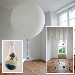 Lítill terrariums taken to a new level with balloons, blown glass, and fabric stalactite like structures are the star of Jette and Fabrik, Lauren Coleman's latest exhibition opened at Direktorenhaus Berlin on the 1st of June.