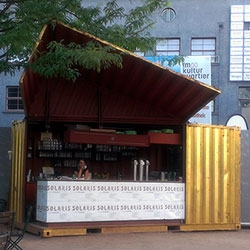 "Push a remote and this shipping container magically opens up into a bar! Solaris bar in the courtyard of OK ""Offenes Kulturhaus"" in Linz, Austria."