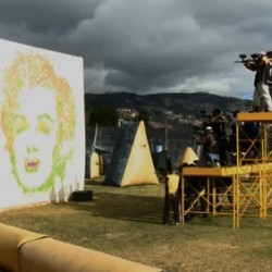 Watch as a group of amateur artists work together to create a rather accurate rendition of Andy Warhol's Marilyn Monroe pop-art print. Their tool of choice? Paintball guns!