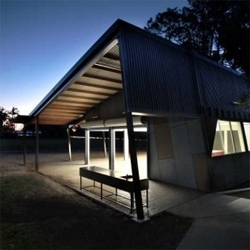Australia-based architecture firm Arkhefield has developed a unique classroom - Creative Pavilion. The idea behind the building was to stimulate the social and learning values within the school through contrasting and existing spaces.