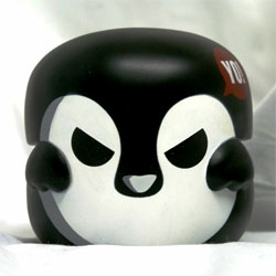 KusoPon mini series: Evil Penguin pon by Rotobox. The second collaboration piece with the Taiwanese streetwear brand, Puff Nation. Limited to 50 pcs available in USA