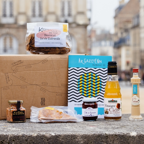 With Penn Ar Box, each month you'll receive a surprising and original Bretagne Box filled with a taste of Bretagne.