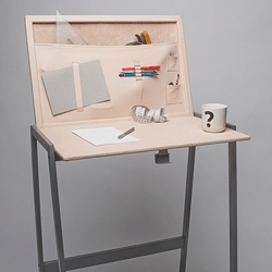 Pet, the foldable desk with malleable surface created by the Danish designer Mette Karina Johansen.