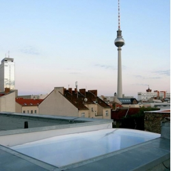 the smallest permanent pneumatic roof of the world… by 5elf , location: Berlin