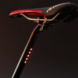 LightSKIN integrated LED lenses and buttons into one assembly, so that it can be easily embedded in the seatpost. This unique technique, which was employed to firmly fix the LED circuit inside the seatpost.