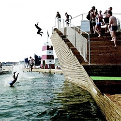 Copenhagen has been recovering the waterfront with a series of projects. This public bath by JDS+BIG (former PLOT) invites citizens to use the fresh waters, amazing result! (see #17148 also)