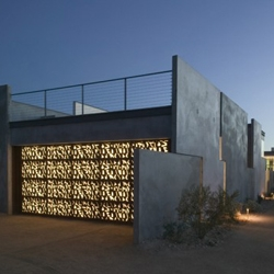 Planar house is a very detailed project done by Steven Holl in the middle of Paradise Valley.