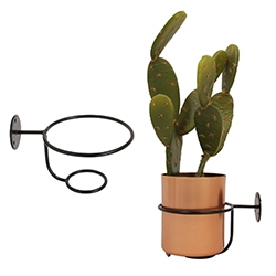 &k Amsterdam (&Klevering) Metal pot & pot hanger. A clean simple twist on the pot filled living wall units!