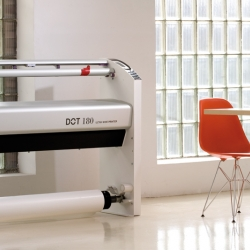 Ricard Vila's new generation plotter. Ecological, noiseless, ergonomic and easy to use. Produced by TKT brainpower.