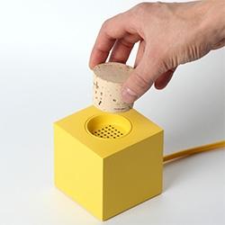 Skrekkoegle's Plugg - cork the speaker to silence it... unplug to turn it on.