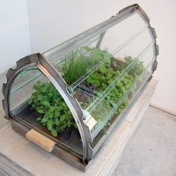 Take your plants with you: Portable Greenhouse by Van Eijk & Van der Lubbe.