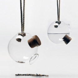 Madareteto bird feeder from Hungary for either seed or water. By Nora Nagy Anna, Aniko Juhasz and Eszter Stibranyi.