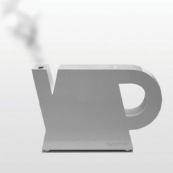 The Cortina electric kettle (by Metaphys) was presented at 100% Design Tokyo Week last month.