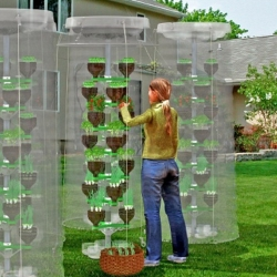Pet-Tree is a vertical eco gardening system made from recycled PET containers. Perfect for space-starved urban gardeners and organic growers. Designed by Dr.Hakan Gürsu from Designnobis.