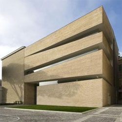 New library at Universitat Lateranense, by King Roselli Architetti