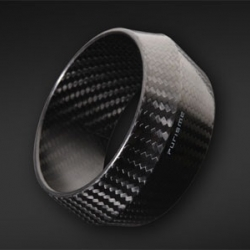 PURISME has a new carbon fiber bracelet.