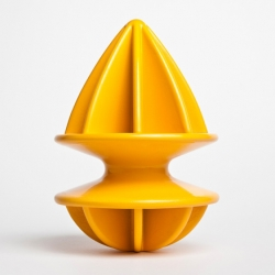 Citrange is a juicer designed by and for fruit. It is a product that is innovative both functionally and formally. This squeezer is divided into two parts to better adapt to the various diameters of citrus fruit. By Quentin de Coster.