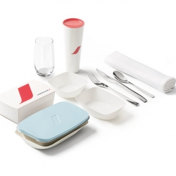 New accessories and tableware for Air France by Eugeni Quitllet.