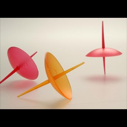 2Spin is a toothpick which can be used also to hold little food and play: a great idea for coffee bars. Cute design by Matteo Ragni.