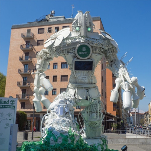 RoBOTL - Timberland partners with Giò Forma for this massive 6m tall installation made of recycled plastic bottles in Piazza XXV Aprile for Milan Design Week 2019. (Inspired by ReBOTL, Timberland's new footwear collection)