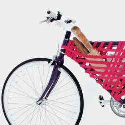 """Reel"" creates an ad-hoc ""basket"" for your bike to portage everything from patch kits to baguettes!"