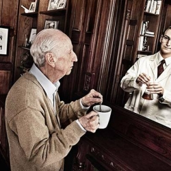 For his series Mirrors, photographer Tom Hussey paired images of elderly subjects with reflections of the 'younger versions' of themselves. The results were used in an award-winning ad cam­paign for an Alzheimer's drug.
