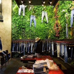 The Replay Store in Florence has a unique green design developed by Vertical Garden Design and Studio 10.